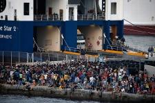 migrants-kos-turkey-dinghies-1