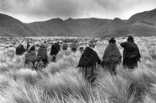 A meeting of a religious community in Base, on the road to Attilo, Chimborazo, Ecuador, 1982