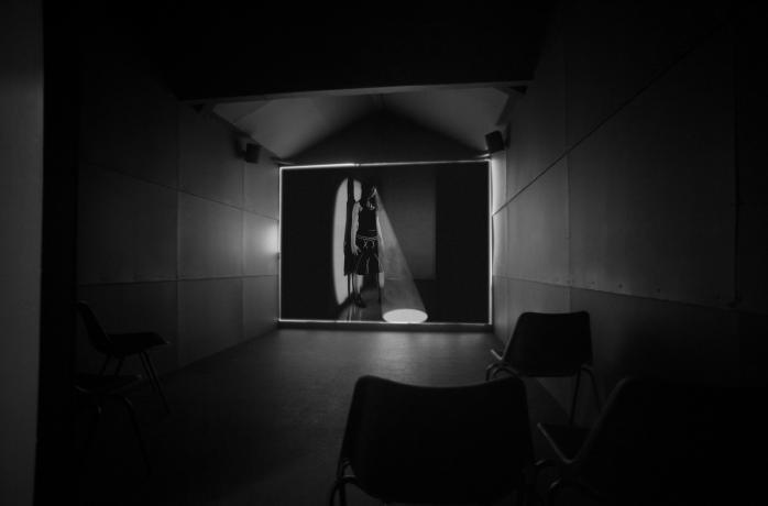 9-extramission_interior